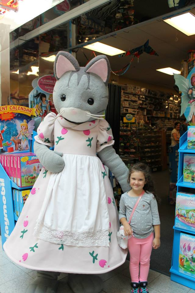 Mrs.Fisher Cat and Fan